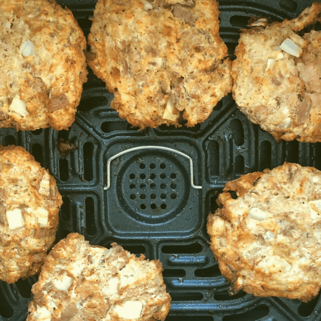 Crispy air fryer tuna patties cooked to perfection without any oil added